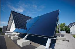 Монтаж солнечных коллекторов на крышу